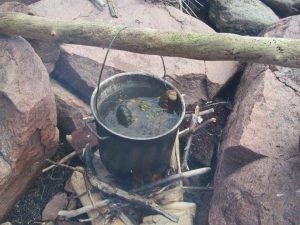 connaissacnes-traditionnelles-autochtones-cuisson-traditionnele-du-homard